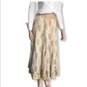 Carole Little vintage Embroidered Skirt. Size 4